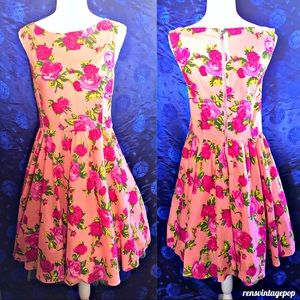 RARE VNTG BETSEY JOHNSON  Roses floral Pink Dress